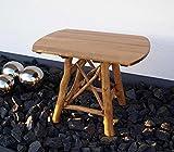 Ovaler Gartentisch aus Eiche ist 100 cm breit, wetterfest und lädt zum Verweilen im kleinen Garten ein