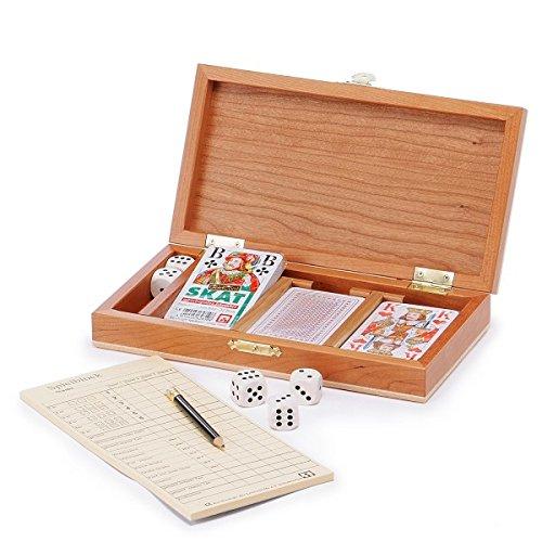 Schöne Holzkassette aus lackierter Kirsche mit allem für Rommee,-Skat- und Würfelspiele