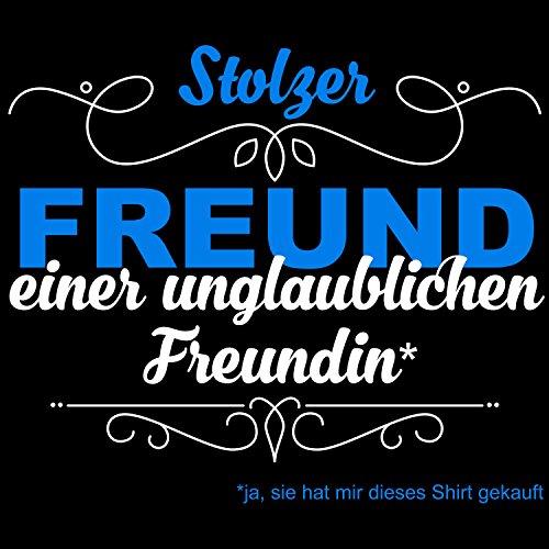 Fashionalarm Herren T-Shirt - Stolzer Freund einer unglaublichen Freundin | Fun Shirt mit Spruch als Geburtstag Geschenk Idee für Paare Schwarz