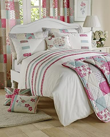 'Petticoat' Super King Duvet Cover Set in Natural, Includes: 1x Super King Duvet Cover and 2x Pillowcases