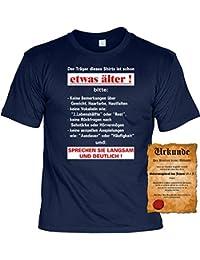 Zum Geburtstag lustiges Sprüche Tshirt - Der Träger dieses Shirts ist schon etwas älter! Fun Geschenke Set T-Shirt mit Urkunde : )