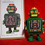 VINTAGE ROBOT W/ KEY GREEN WIND UP ACTION RETRO STYLE ADULT COLLECTIBLE TIN MS519