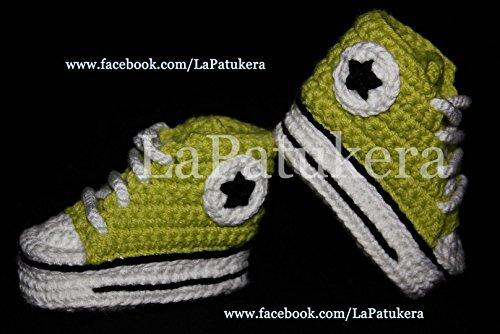 Babyschuhe häkeln, Unisex. Stil, Converse All Star. Farbe Pistazie, aus 100% Baumwolle, 4 Größen 0-12 Monate. handgefertigt in Spanien. Turnschuh gehäkelt gestrickt, Geschenk fürs Baby -