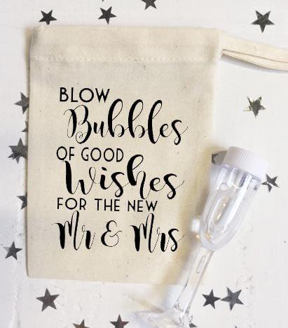 bolle-daria-di-buona-intende-per-nuovo-matrimonio-mr-and-mrs-e-flute-per-champagne-personalizzabili