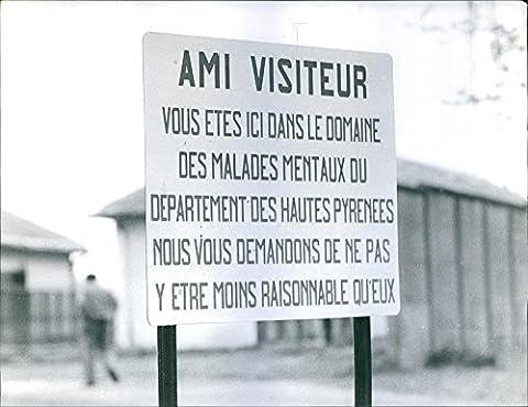 Vintage Photo de 1962Un panneau d'affichage pour visiteurs... Langue pas en anglais.