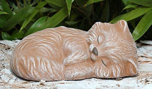 steinfigur-katze-schlafend-terrakotta-garten-deko-stein-figur-frostsicher
