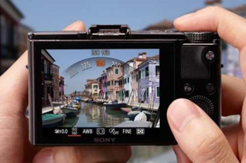 """Sony DSC-RX100M2 Fotocamera Digitale Compatta Cyber-shot, Sensore CMOS Exmor R da 1"""" e 20,2 Megapixel, Obiettivo Zeiss Vario-Sonnar T* con Zoom Ottico 3,6x, Nero"""