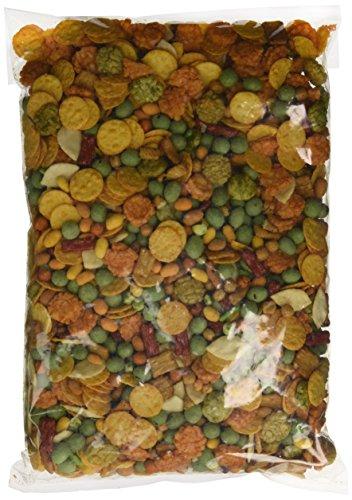 WM, dekorativ und lecker für aufregende Stunden im Kampf um den Titel mit Erdnüssen in Wasabi und Chili-Mantel, Nacho-Chips und Reiscrackern. 2 kg Vorratspackung (Erdnüsse Fußball)