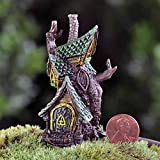 Fiddlehead Gartenfigur Motiv: Miniatur-Hütte in einem Baumstamm; Feen-Garten