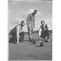 POSTER Rev. William McSpedden standing between two unidentified men playing lawn bowls Drouin Victoria Australia Wall Art Print A3 replica