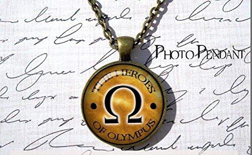 Percy Jackson inspiriert Percy Jackson Halskette Helden Jewelry Omega Schild Halskette Lightning Dieb Geschenk Heroes of Olympus Halskette Halbgott