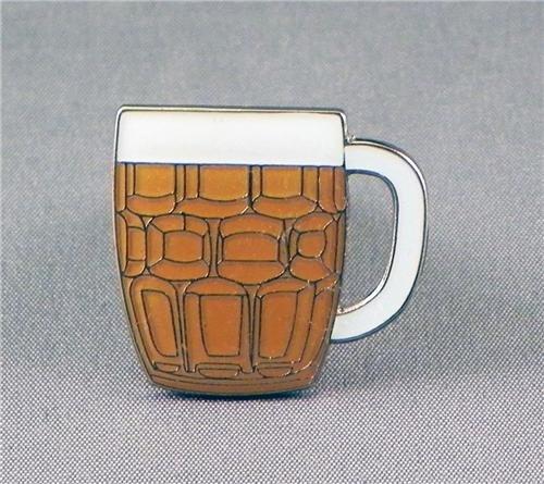 broche-en-metal-emaille-verre-a-pinte-de-biere-chope-carafe