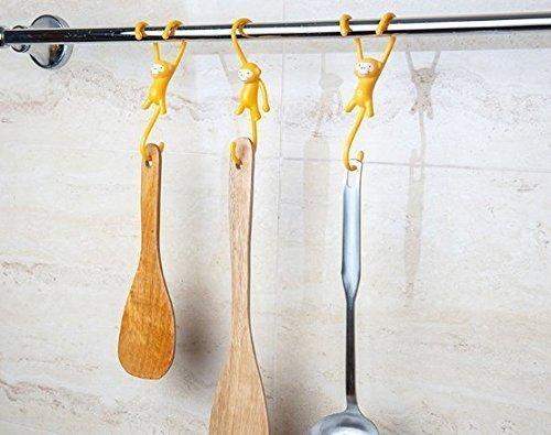 Uchic 4 pcs Creative Singe de cuisine Crochet mignon S Dessin animé à suspendre Crochet en plastique pour salle de bain de cuisine Outil de stockage de brosse Cuillère éponge Rack Organiseur Style Ranodm