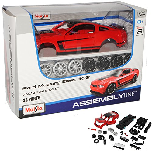 Ford Mustang V Boss 302 Coupe Rot 2004-2014 39269 Bausatz Kit 1/24 Maisto Modell Auto mit individiuellem Wunschkennzeichen