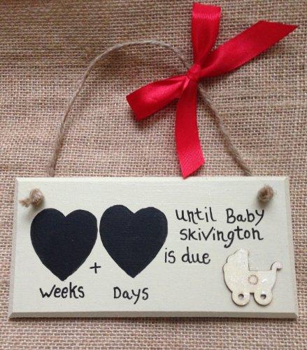 Personalised conto alla rovescia per la gravidanza, a forma di cuore doppio, 'Wooden Pram'