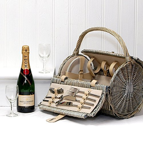 75cl Moet et Chandon Champagne in a 2 Person Barrel Picnic Hamper Basket - Gift ideas for Valentines, Mothers Day, Birthday, Wedding, Anniversary, Business, Corporate and Congratulations Presents, Dad, Fathers Day, Christmas