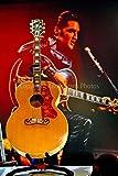 Foto ein 30,5x 45,7cm Hochwertiger Fotodruck von Elvis Presley Graceland Ausstellung mit Elvis bei der O2, London, England Portrait Foto Color Fine Art Bild Print. Fotografie von Andy Evans Fotos