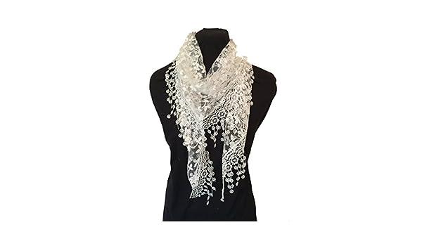 Crème-blanc avec des paillettes dentelle blanche fleur écharpe. Foulard  triangle avec bordure en dentelle. -- Creamy white with white glittery  flower lace ... f5d09b2df12