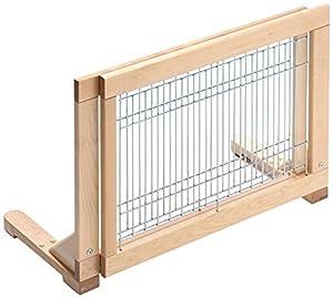 für Welpen und kleine Hunde     zum Absperren von Räumen, Treppen etc.     aus klar lackiertem Birkenholz mit verzinkten Gitterstäben     variabel anpassbar von 65 - 108 cm