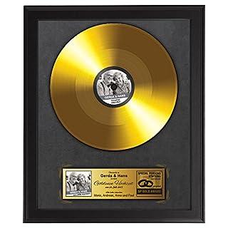 Goldene Schallplatte zur Goldenen Hochzeit – Urkunde - Personalisiert mit Namen, Datum und Foto - Fotodruck - Wanddeko im dunklen Bilderrahmen – Geschenk zum 50. Hochzeitstag – ca. 35 x 45 cm