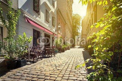 alu-dibond-bild-140-x-90-cm-alley-at-spittelberg-old-town-vienna-austria-bild-auf-alu-dibond
