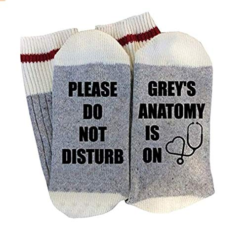 "Socken für Erwachsene, aus Baumwolle, mit lustigem Aufdruck: ""Please Do Not Disturb Grey's Anatomy Is On"""