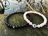 Personalisierte Partnerarmbänder aus 6mm matt schwarzen & rosa Perlen mit hochwertigen silbernen Zwischenperlen | Valentinstag | Gravur | Geschenk | Namensarmband | Partnerarmband | VERSAND KOSTENLOS
