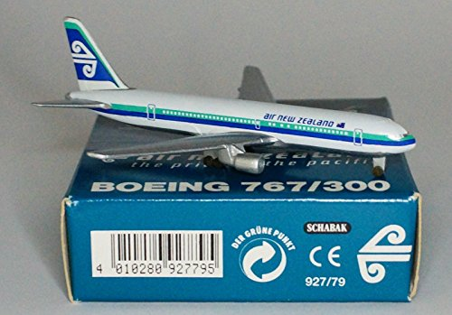 schabak-boeing-767-319er-air-new-zealand-in-1980s-colours-in-1600-scale
