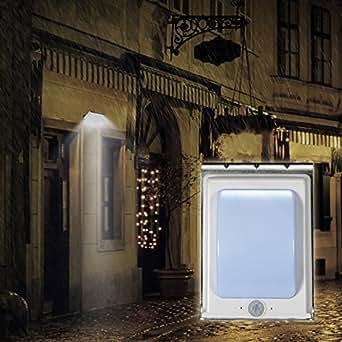 Lampe Solaire à Détecteur de Mouvement 16 LED TaoTronics (Batterie 900 mAh Portée 3 mètres 12 heures d'Autonomie)