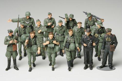 Set fanteria tedesca in manovre 1:48