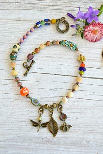 Collana di perle da donna con libellula, ape e foglia, gioielli bohémien