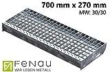 Fenau | Gitterrost-Stufe (R11) XSL – Maße: 700 x 270 mm - MW: 30 mm / 30 mm - Vollbad-Feuerverzinkt – Stahl-Treppenstufe nach DIN-Norm | Fluchttreppen geeignet/Anti-Rutsch-Wirkung