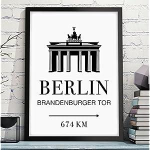 BERLIN - BRANDENBURGER TOR mit individuelle Entfernungsangabe - originelles und persönliches Geschenk zum Geburtstag, Jahrestag, Hochzeitstag, zum Einzug oder Studienanfang - Rahmen optional zubuchbar