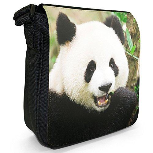 Panda piccolo nero Tela Borsa a tracolla, taglia S Panda Bear Chewing Bamboo