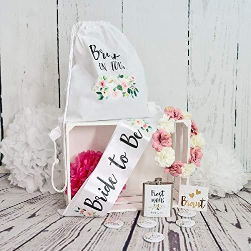 Braut-on-Tour Junggesellenabschiedsbox für euren Junggesellenabschied, Polterabend, JGA mit Shärpe, Buttons, Blumenkranz, Turnbeutel, Flachmann, Schuhaufkleber in einheitlichen Design