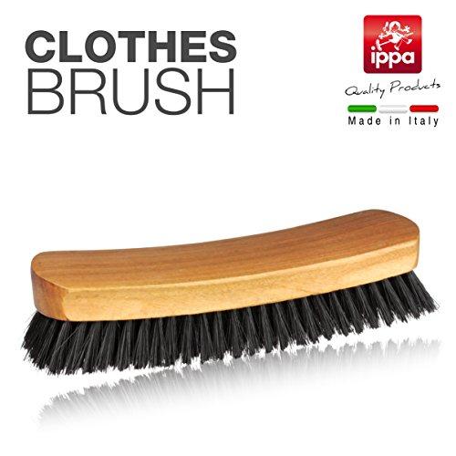 Brosse à vêtements en bois naturel et poils naturels. Produit 100 % italien