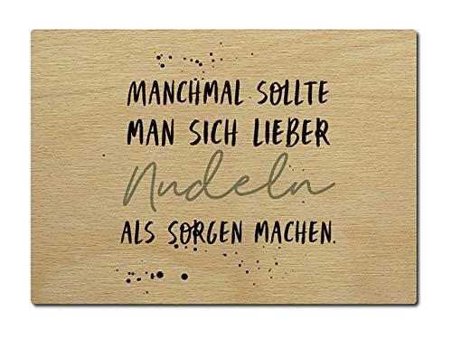 Interluxe Postkarte aus Holz Manchmal sollte man sich lieber Nudeln als Sorgen machen. DIN A6 105x148mm Karte Echtholz Spruch Liebeserklärung - Machen Nudeln