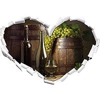 Botti con uva e vino a forma di cuore nel