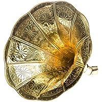 Bocina de gramófono de cuerno con adornos de oro en estilo antiguo