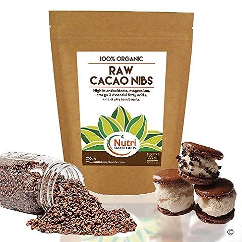 Brut Nibs Biologique Cacao, ingrédients polyvalents en chocolat noir, Meilleur super-aliment, Magnésium riche en protéines végétaliennes, Sans gluten, Idéal pour la cuisine et Puissance des smoothies | 200 g | Par Nutri Superfoods