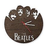 GRAVURZEILE The Beatles Wanduhr aus Eichen-Holz geräuchert Design Uhr aus Echtholz Wand-Deko Originelle Wand-Uhr Moderne Wand-Uhr im Skyline Design Wand-Dekoration aus Natur-Holz