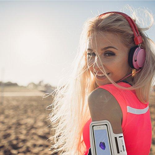 EAZY CASE Sport Armband, Fitness Armband Schweißbeständig Weich für Laufen, Bergsteigen, geeignet für alle Smartphones bis 5.5 Zoll wie Apple iPhone 7 Plus, Samsung Galaxy S7 Edge und mehr in Weiß - 5