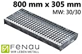 Fenau | Gitterrost-Stufe (R11) XSL – Maße: 800 x 305 mm - MW: 30 mm / 30 mm - Vollbad-Feuerverzinkt – Stahl-Treppenstufe nach DIN-Norm | Fluchttreppen geeignet/Anti-Rutsch-Wirkung