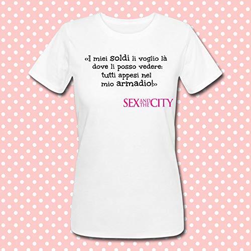 T-shirt donna con frase citazione famosa Sex and the City serie tv inspired: i miei soldi li voglio là dove li posso vedere, tutti appesi nel mio armadio!