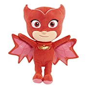 PJ Masks are on their way - into the night to save the day! This super soft & cuddly version of the high flying hero, Owlette, from the hit TV series, PJ Masks, comes in the perfect size to take with you on all of your heroic night time a...
