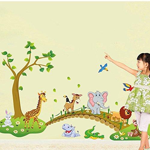 Ufengke® albero verde carino leone coniglio giraffa elefanti di attraversare il ponte adesivi murali, camera dei bambini vivai adesivi da parete removibili/stickers murali/decorazione murale