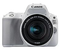 CANON EOS 200D Compact, simple et polyvalent : un appareil photo en phase avec votre quotidien. Prenez de magnifiques photos et réalisez des vidéos sublimes en toute facilité. Une conception intelligente Avec ses commandes instinctives et son écran t...