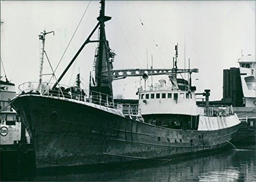 vintage-foto-di-grampian-fame-la-nuova-nave-di-greenpeace-organizzazione-1988
