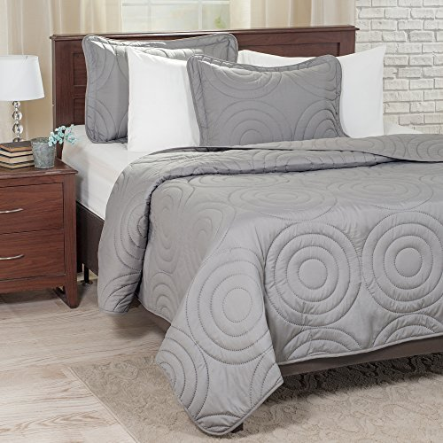 Bedford Home Solid Embossed 3 Piece Quilt Set - Full/Queen - Silver by Bedford Home (Quilt Bedford)