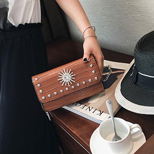Weibliche Hardware-Zubehör-Kette Kleine Quadratische Tasche Schulterkurierbeutel Art und Weise Einfaches Paket Braun